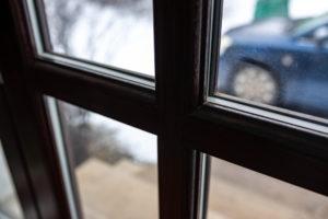 dunkle-kunststofffenster-probleme