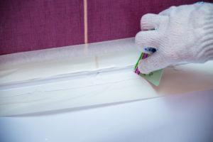 dusche-abdichten-silikon-oder-acryl