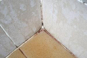 dusche-rote-ablagerung