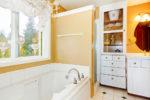 duschkabine-neben-badewanne