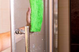 duschkabine-reinigen-kalk