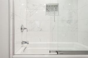 duschkabine-schiebetuer-ausbauen
