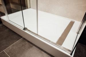 duschkabine-schiebetuer-dreiteilig-ausbauen