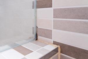 duschkabine-silikon-erneuern