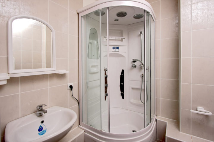 duschrueckwand-einbauen