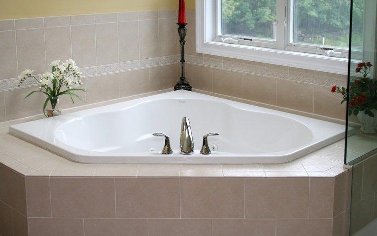 Eckbadewanne einbauen schritt f r schritt zum badeparadies - Vasche da bagno su misura ...
