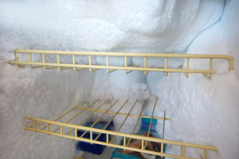 kuehlschrank abtauen dauer k hlschrank abtauen so gehts richtig stromspiegel anleitung zum. Black Bedroom Furniture Sets. Home Design Ideas