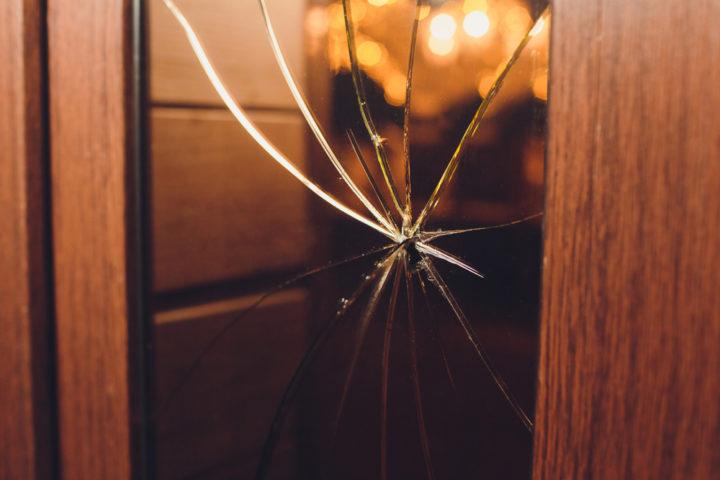 glaseinsatz-zimmertuer-glas-reparatur