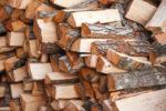 holzbriketts-oder-brennholz