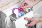 hygienespueler-mit-waschmittel-zusammen