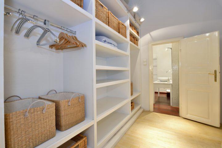 Begehbarer Kleiderschrank » 6 Ideen für die Gestaltung