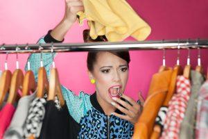 Schimmelflecken aus Kleidung entfernen