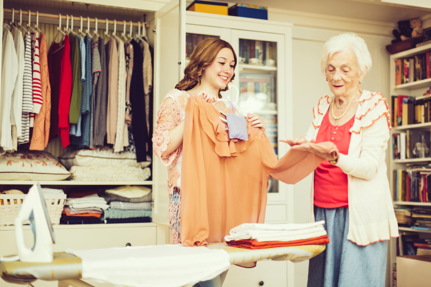 Kleiderschrank einräumen » Hilfreiche Tipps & Hinweise