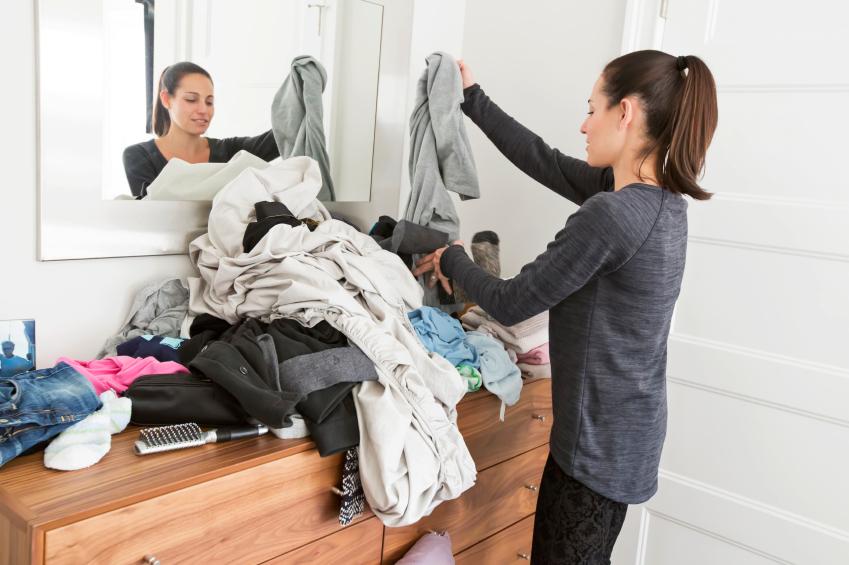 kleiderschrank organisieren tipps tricks. Black Bedroom Furniture Sets. Home Design Ideas