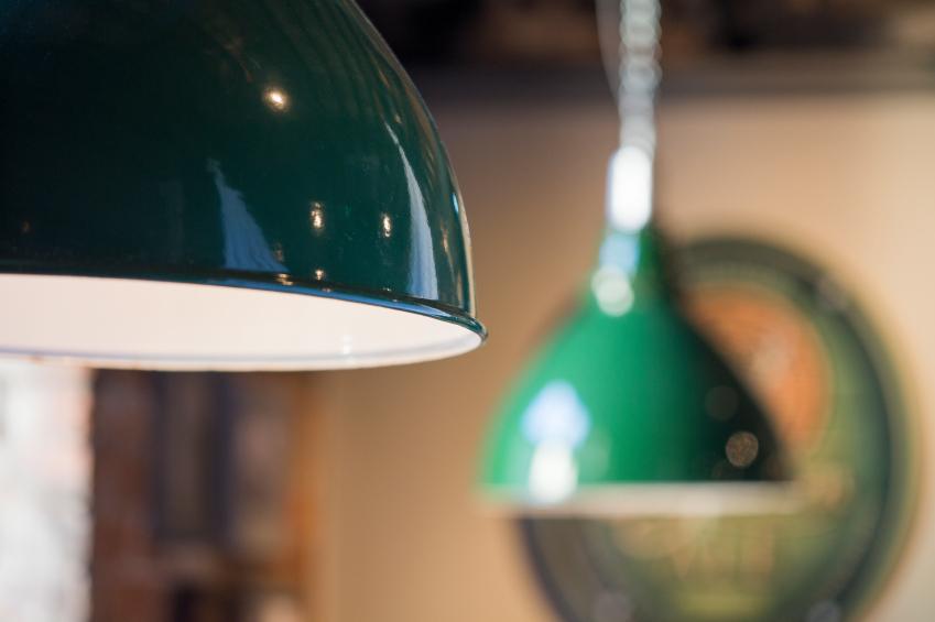 lampe lackieren so geht 39 s in 4 schritten. Black Bedroom Furniture Sets. Home Design Ideas