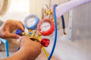klimaanlage-druck-messen