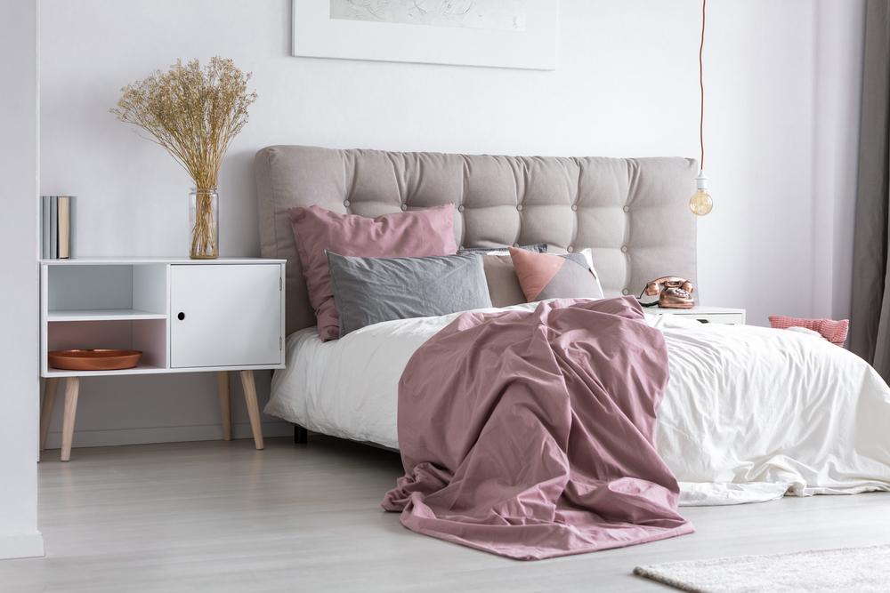 kopfteil selber polstern anleitung in 4 schritten. Black Bedroom Furniture Sets. Home Design Ideas