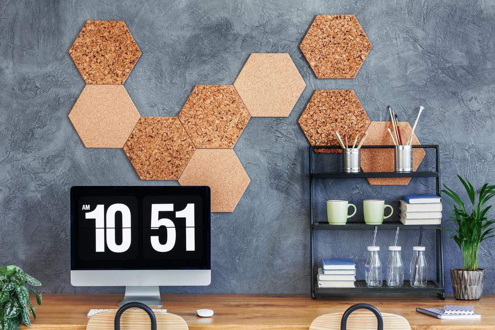 korkwand befestigen so bringen sie sie an. Black Bedroom Furniture Sets. Home Design Ideas