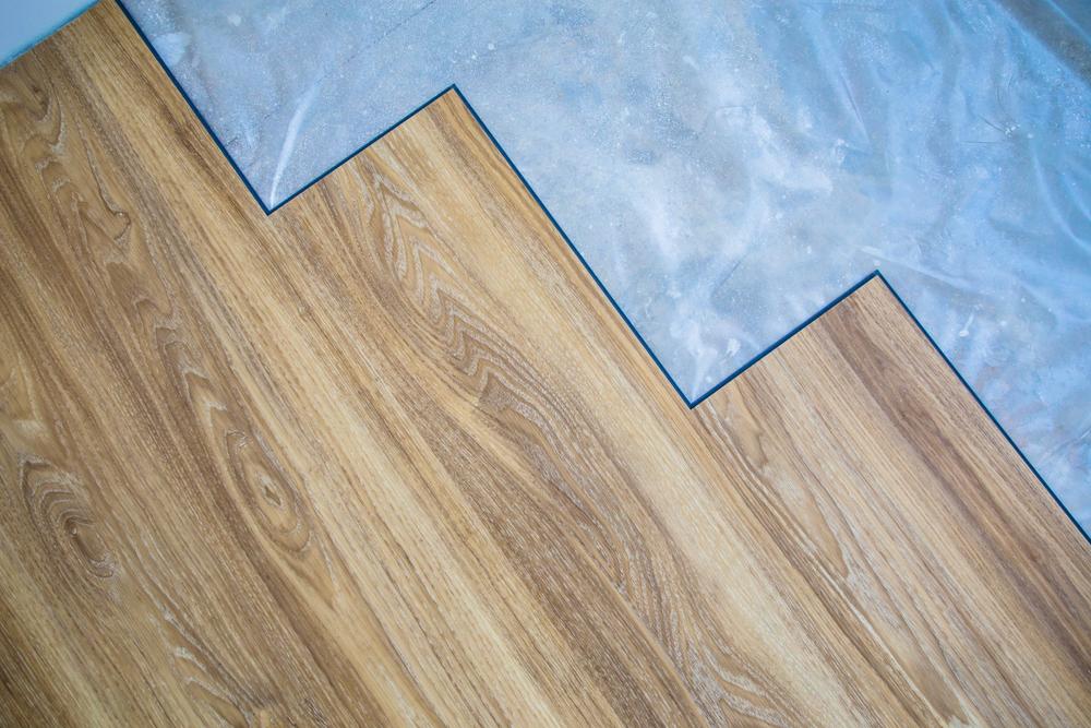 Laminat Auf Teppich Verlegen Ist Eine Dampfsperre Notig