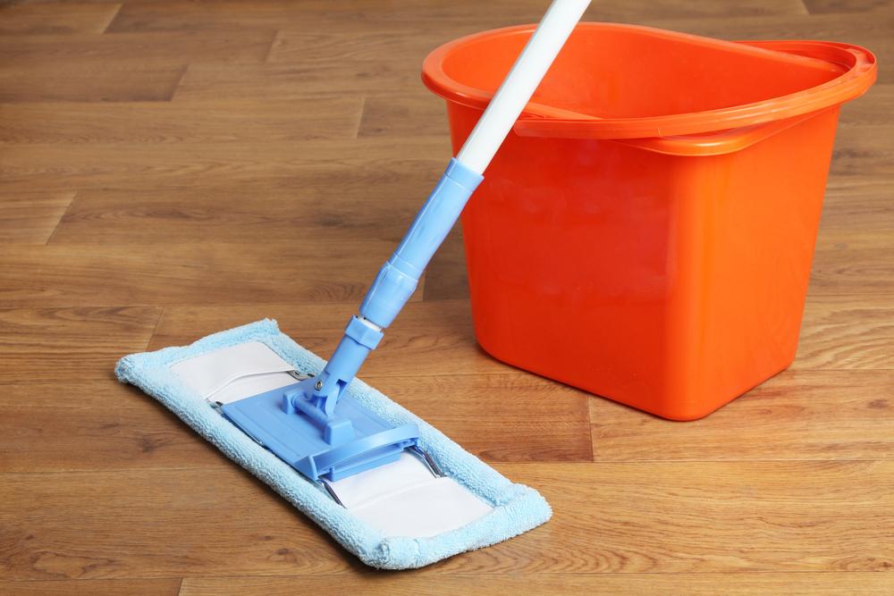 Fußboden Wischen ~ Laminat pflege die besten tipps für glänzenden fußboden