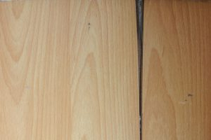 laminat-reparieren-wachs