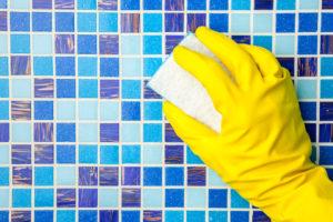 mosaik-fliesen-dusche-reinigen