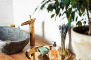 naturstein-waschbecken-pflege