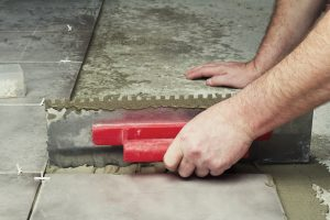 natursteinplatten-verlegen-moertelbett