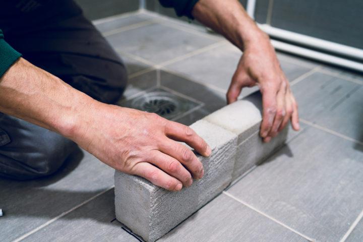 podest-fuer-dusche-bauen