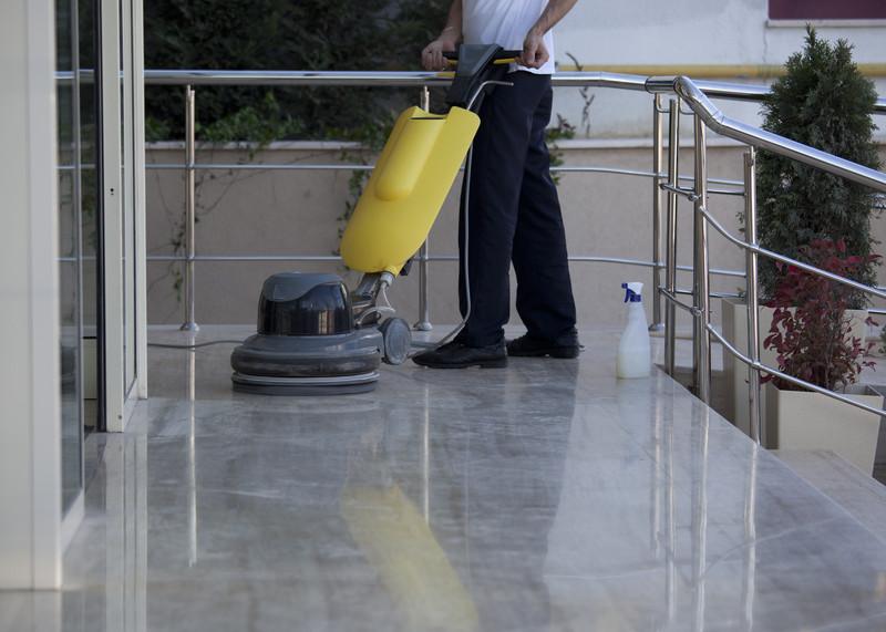 Professionelle Bodenreinigung: Mit Reinigungsmaschinen