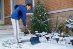 Schnee und Eis räumen
