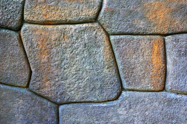 rostflecken-auf-steinfliesen
