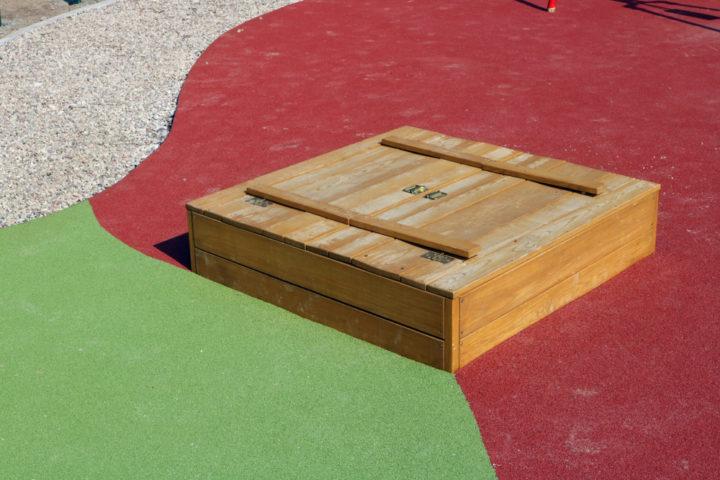 sandkasten-abdeckung-selber-bauen