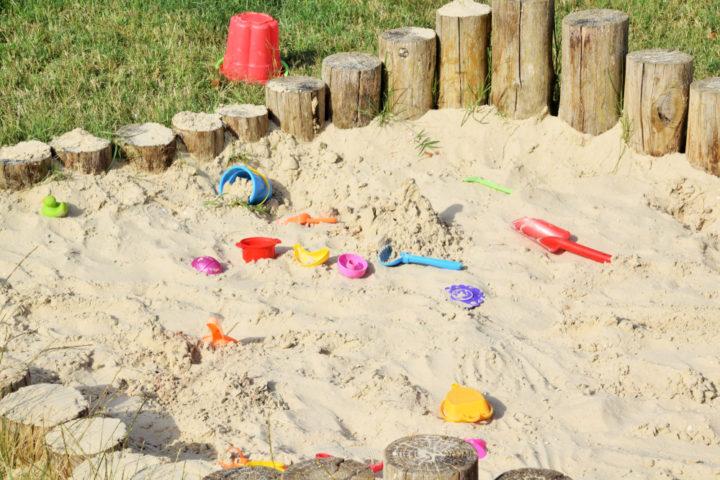 sandkasten-im-boden-einlassen