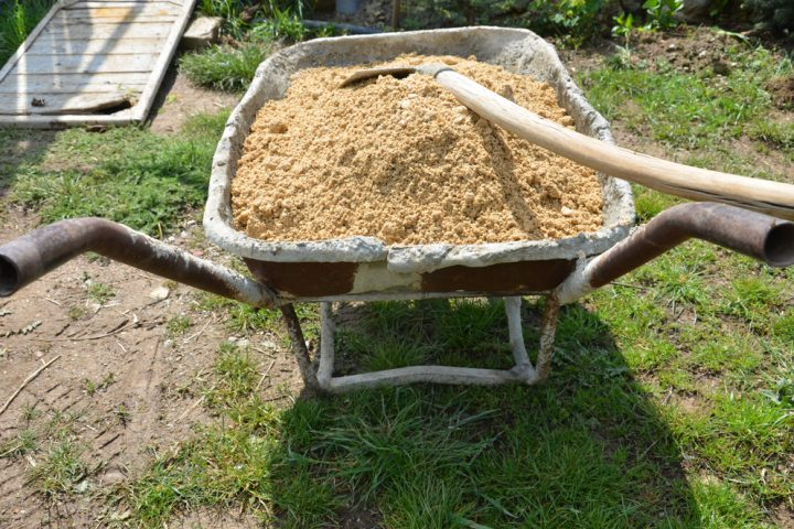 sandkasten-sand-entsorgen