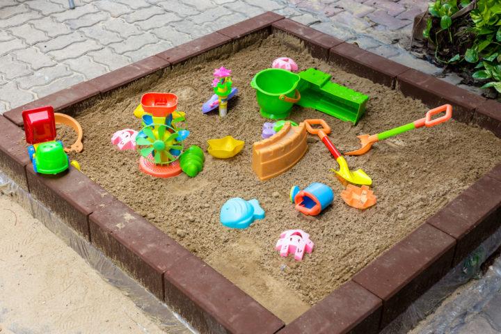 sandkasten-selber-bauen-aus-stein