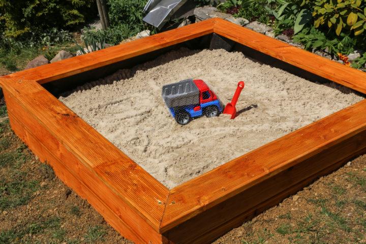 sandkasten-wie-tief