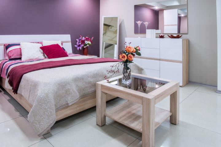 schlafzimmer-lila-streichen