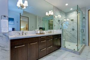 sicherheitsglas-dusche-schneiden