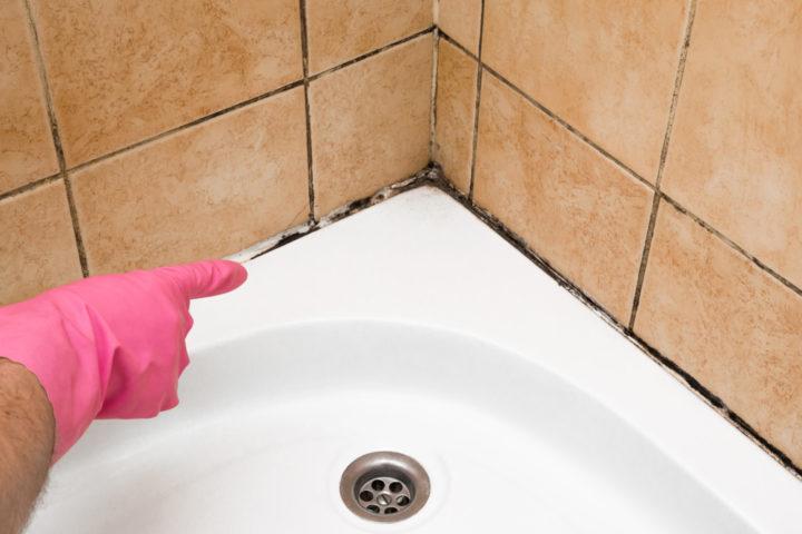 silikon-entfernen-duschwanne
