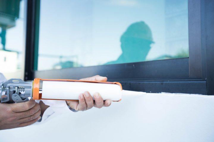 silikon-von-wand-entfernen