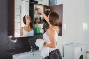 spiegelschrank-montagehoehe