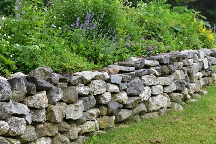steinwand-garten-selber-machen