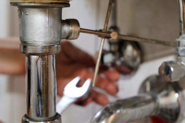 stoepsel-waschbecken-einbauen