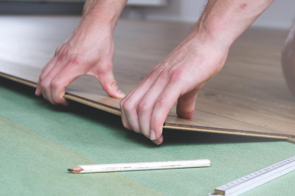 Fußboden Wärmedämmung Verlegen ~ Styrodur unter laminat verlegen vorteile und alternativen