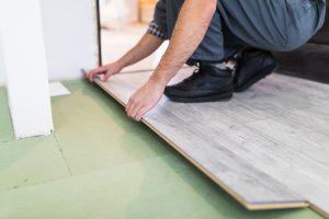 teppichkleber-entfernen-vor-laminat-verlegen