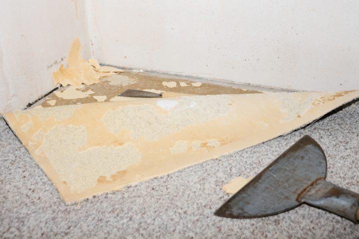 teppichkleber-von-laminat-entfernen