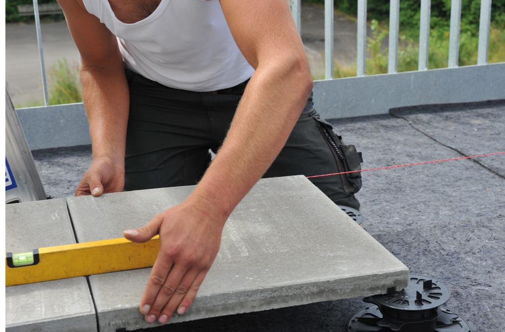 Terrassenplatten Aus Naturstein Oder Beton Ein Vergleich