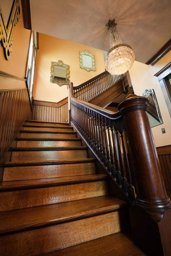 Treppenstufen Holz Lackieren ~ Ölen ist die Beschichtung vergangener Zeiten