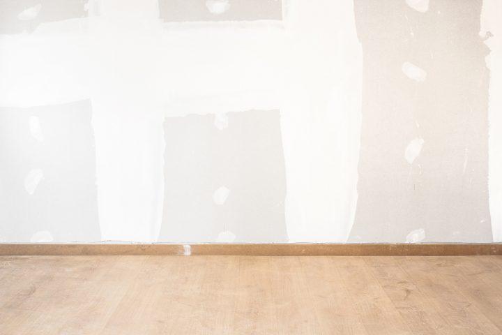 trockenbauwand-auf-laminat